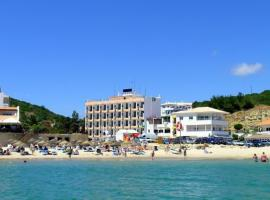 Hotel Residencial Salema, hotel near Cape of Saint Vincent Lighthouse, Salema