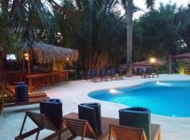 Esencia Hotel and Villas, hotel in Santa Teresa Beach