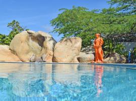 Villa Bougainvillea Aruba, the Tango Suite, hotel perto de Tierra del Sol Golf Course, Palm-Eagle Beach