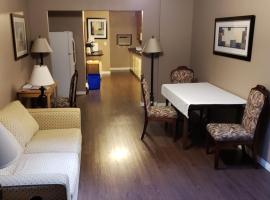 ALPINE COMFORT - FREE BKFST 5 Min to Golf & Ski, hotel in Kimberley