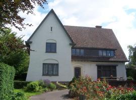 Spacious Mansion with Sauna in Poperinge, hotel in Poperinge
