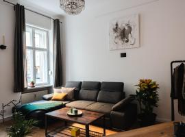 90sqm 2BR Biz LOFT - 5min Central Station, budget hotel in Berlin
