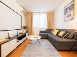 【Zhilian】Nice Two South-facing Bedroom Apartment Near Changshu Road Station, apartment in Shanghai