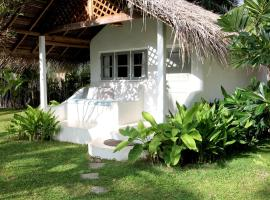 The Rascals Kite Resort - Level 1 Safe & Secure, hotel in Kalpitiya