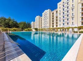 Апартаменты у моря Сады Морей, hotel with pools in Gelendzhik