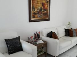 Hostal Compostela Inn, B&B in David