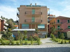 Hotel Valentino, hotel near Casa Carbone, Lavagna