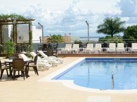 De la Trinidad Hotel, hotel in Encarnación