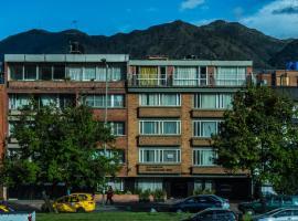Apartamentos Galerías 52, hotel cerca de Estadio El Campín, Bogotá