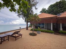 Maenam Villa Hotel, hotel near Santiburi Beach Resort ,Golf and Spa, Mae Nam