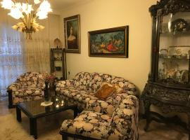 Luxury apartment close to city center, university and children's hospital, hotel in Athens