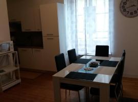 Appartement Taïko, apartment in La Flèche