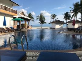 Mac's Bay Resort, hotel i Baan Tai