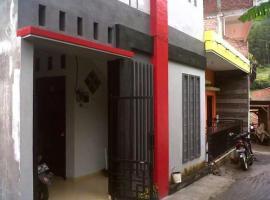 Villa Ananta, homestay in Batu