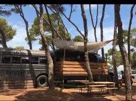 Vintage Camper Ibiza, hotel u gradu Es Kana