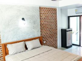 Bunta house, apartment in Chalong