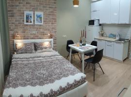 Апартамент-студия/Б САНАпарт в Розмарин-2, budget hotel in Estosadok