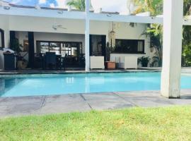 EXOTIC VILLA II - Three Bedroom Villa in Juan Dolio Beach, hotel in Juan Dolio