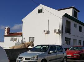 ROSÉLIO REIS - ALOJAMENTO TURÍSTICO, hotel económico em Vila do Porto