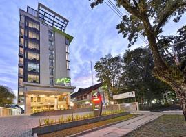 Whiz Prime Hotel Khatib Sulaiman Padang, hotel in Padang