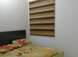 Cozy private room with free Scooter auto motor for use, pet-friendly hotel in Miri