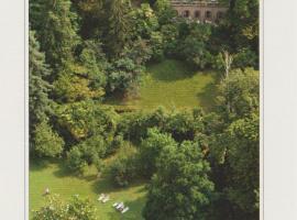 Hotel Villa della Quercia, hotell i Verbania