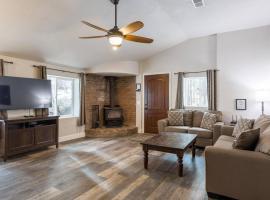 cozy cottage on hidden hollow, hotel near Arizona Snowbowl, Flagstaff