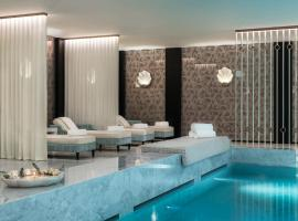 Maison Albar Hotels Le Monumental Palace, hotel with pools in Porto