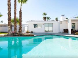 Number 444, villa in Palm Springs