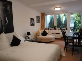 Apartment 900m to exhibition, hotel near CCD Congress Centre Dusseldorf, Düsseldorf