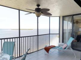 Bay View Tower 633 Sanibel Harbour, apartment in Fort Myers