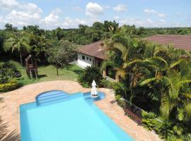 Chácara Boemer, hotel com piscina em Itu