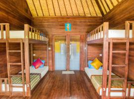 Uma Hostel Lembongan, hotel near Panorama Point, Nusa Lembongan