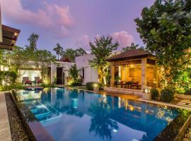 Sunset Ocean Front Villa, hotel in Mai Khao Beach
