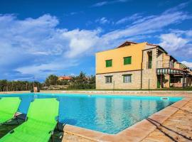 Apartment with Roof Terrace and Sea View in Gedici, hotel in Gedići