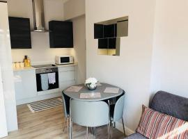 Southend - Westcliff Apartments & Studios, hotel in Southend-on-Sea