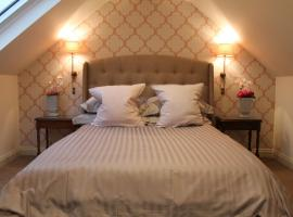 Granny's Attic at Cliff House Farm Holiday Cottages,, apartment in Whitby