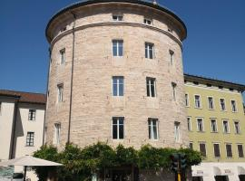 Torrione Trento, guest house in Trento