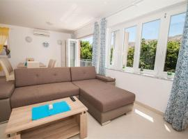 Apartment Mimoza 5, Baska, Krk, pet-friendly hotel in Baška