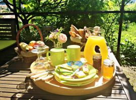Bed & Breakfast Chambres d'hôtes COTTAGE BELLEVUE, budget hotel in Cannes