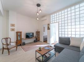 Piraeus_Faliro_Cosy apartment, hotel in Piraeus