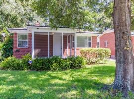 Hist Home in Avondale/Riverside & DT Jacksonville, vacation rental in Jacksonville