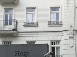 Apartment Hoża 50 with a balcony in close Center, apartment in Warsaw