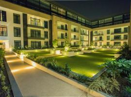 Accra Luxury Apartments @ The Gardens, hotel in Accra