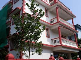 Mahalaxmi Apartment, family hotel in Porvorim