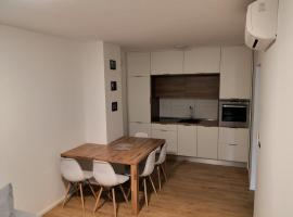 Apartments by the sea Vrsar, Porec - 16234, apartment in Vrsar