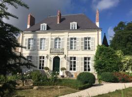 Entre Cour et Jardin, B&B in Arras