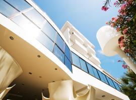Hotel Tiffany & Resort, hôtel à Cesenatico
