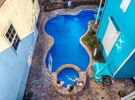 4 BR - Sleeps 8! Celebrity Villa Next to Frenchman St, inn in New Orleans