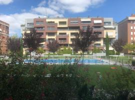 23 Avenida de Lope de Vega, hotel near Logrono Train Station, Logroño